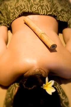 kreolskij-massazh-bambukovymi-palochkami_1