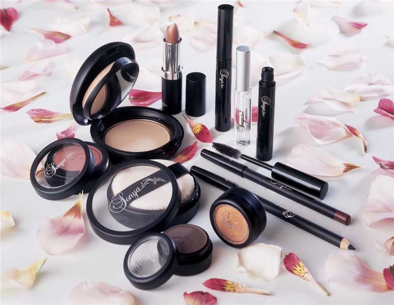 dekorativnaya-kosmetika