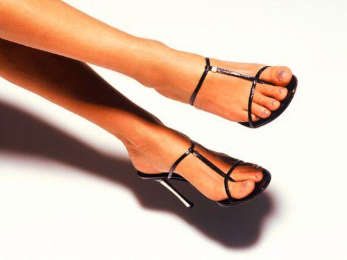 Происходит оно при врастании ногтевой пластины в околоногтевой валик.  Обычно, вросший ноготь причиняет мучительную...